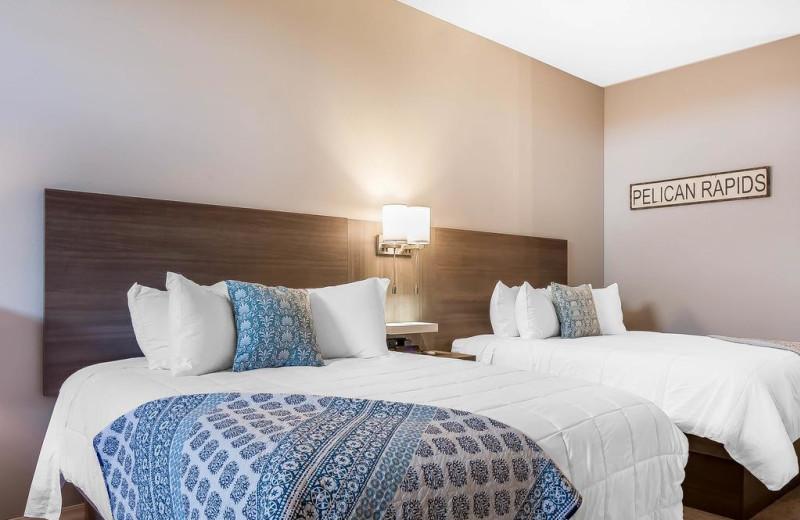 Guest room at Lakes Inn at Dunvilla.