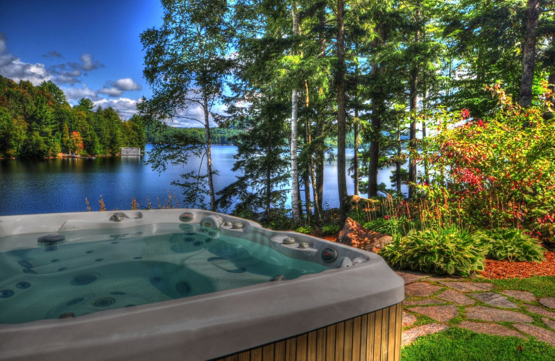 Rental hot tub at CottageVacations.com.