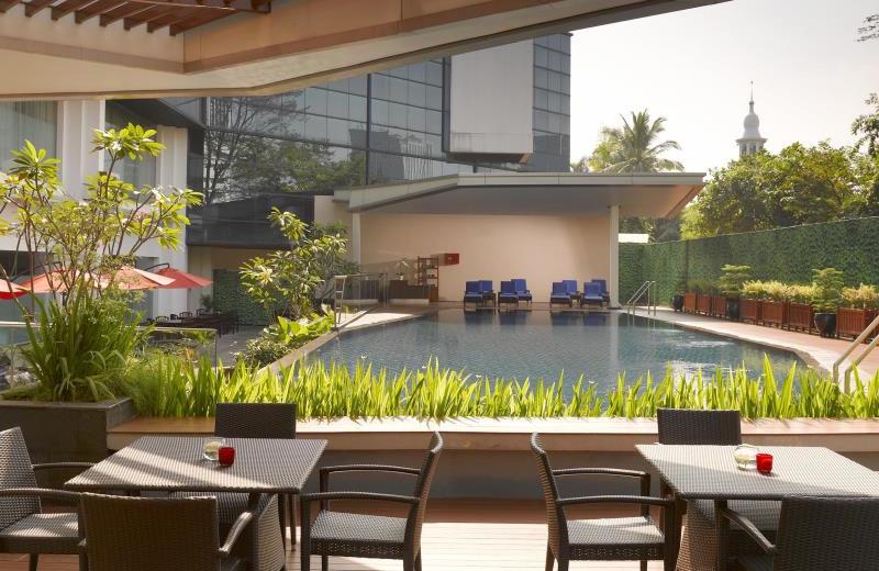 Outdoor pool at Gran Melia Jakarta.