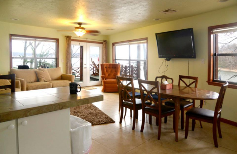 Guest kitchen and dining room at Dream Catcher Point Resort.