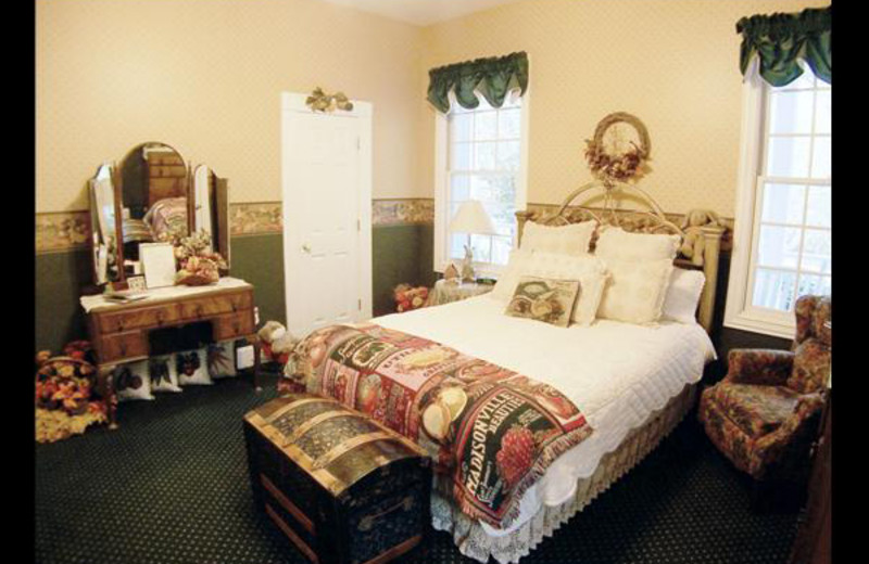 Guest room at Country Place At Cross Roads.