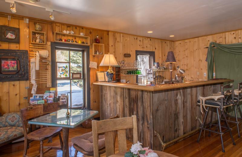 Bar at Twin Lakes Roadlodge.