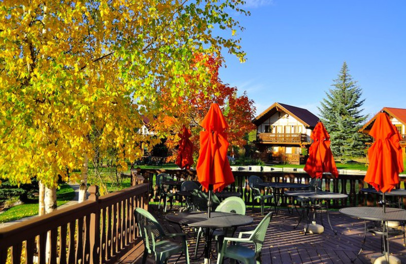 Outdoor dining at Great Northern Resort.