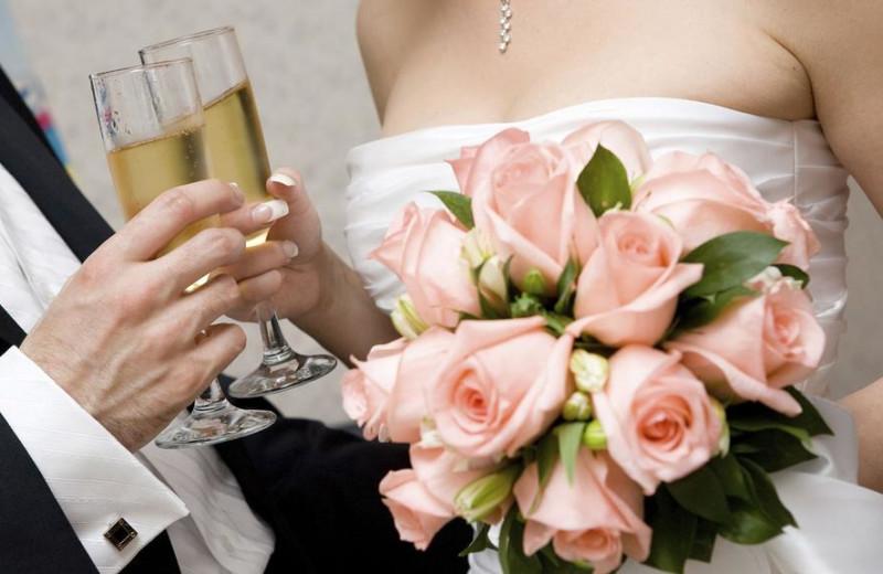 Weddings at Westport Inn