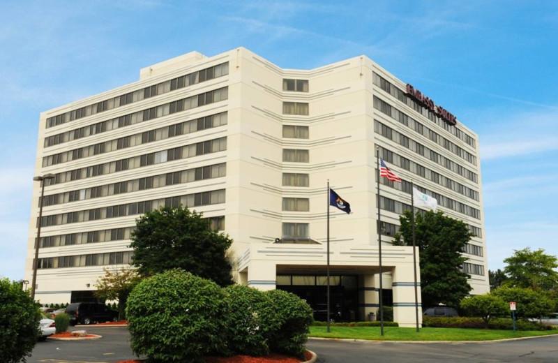 Exterior view of Embassy Suites Detroit - Southfield.