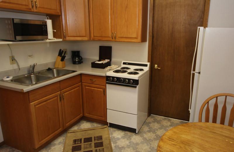Guest kitchen at Boulder Brook on Fall River.