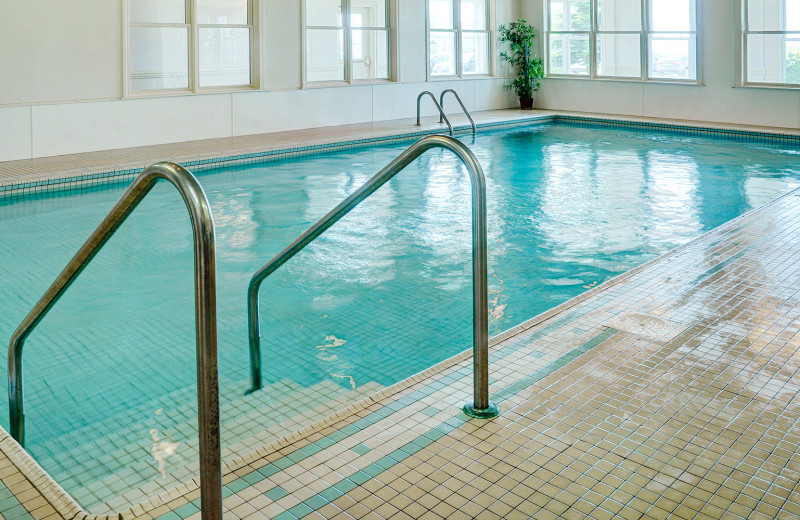 Indoor pool at Loyalist Lakeview Resort Summerside.