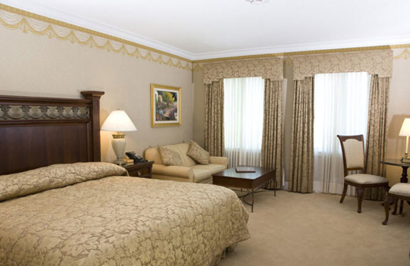 Guest Room at the Copperfield Inn Resort
