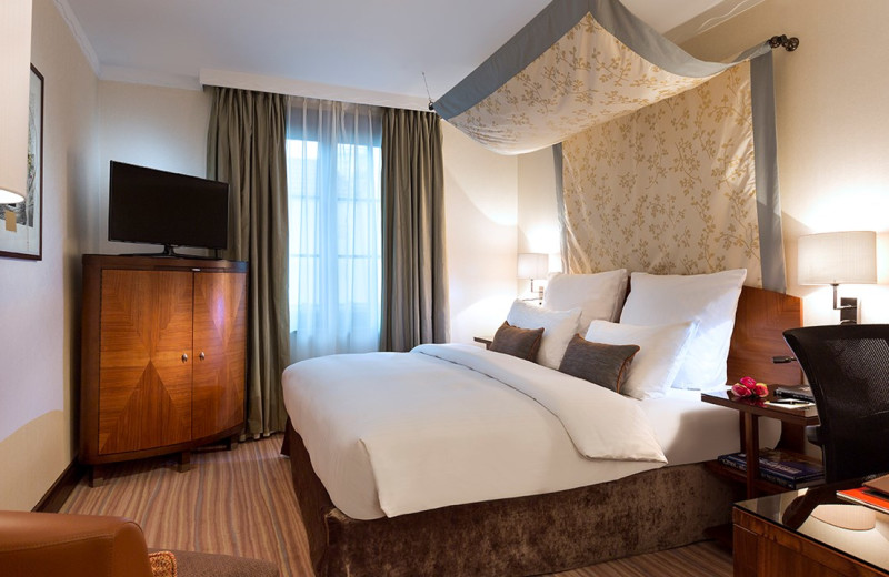Guest room at Royal Windsor Hotel - Grand Place.