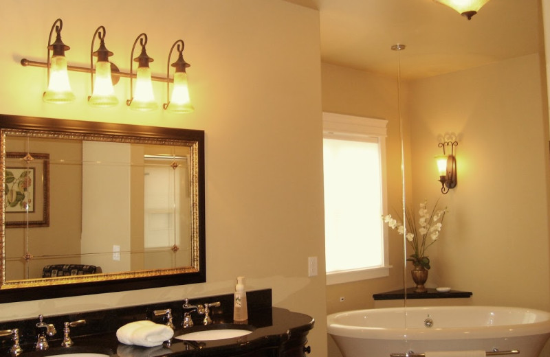 Guest hot tub at Summer Creek Inn & Spa.