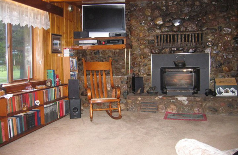 Cabin living room at Eagles Nest Cabins.