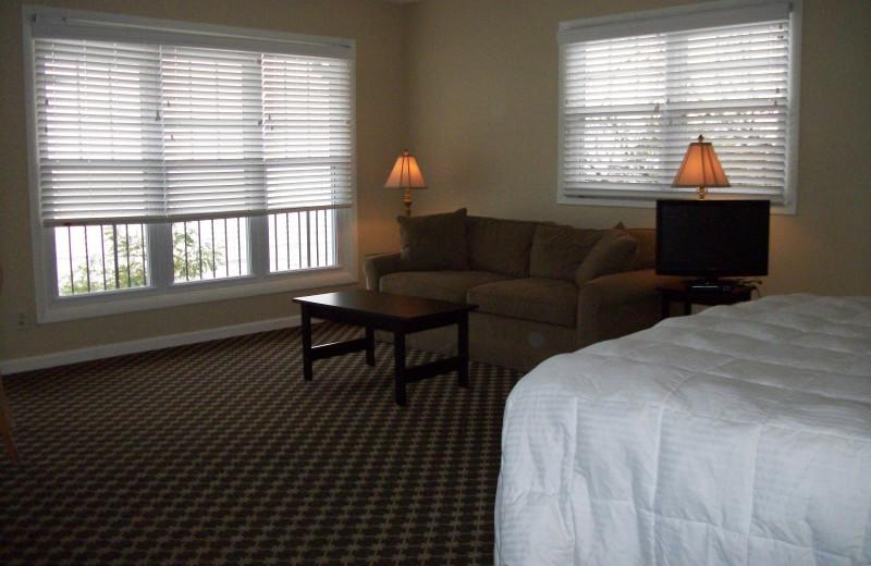 Guest room at Michillinda Beach Lodge.