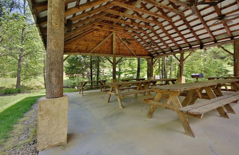 Picnic pavilion at Eden Crest Vacation Rentals, Inc.