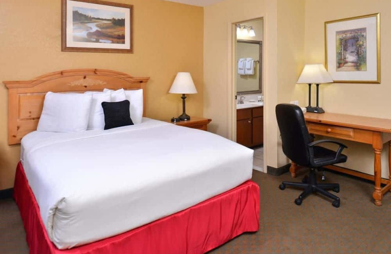 Guest room at Red Lion Inn & Suites Tucson North.
