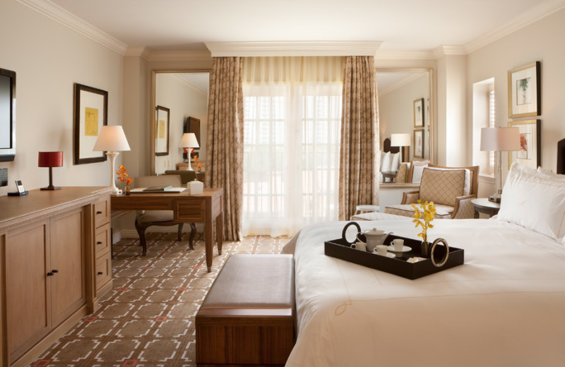 Guest room at Rosewood Mansion on Turtle Creek.