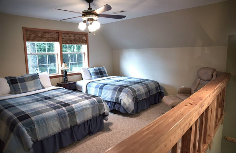 Guest bedroom at River Ridge Inn.