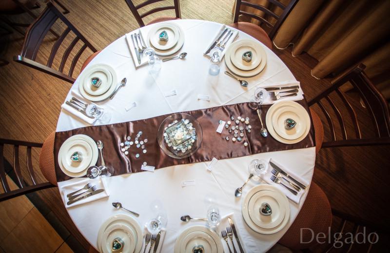 Wedding receptions at Sunrise Ridge Waterfront Resort.