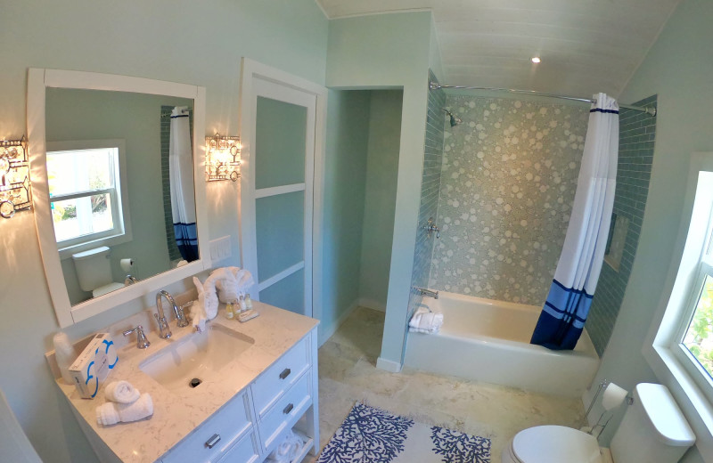 Guest bathroom at Lighthouse Resort Inn & Suites.