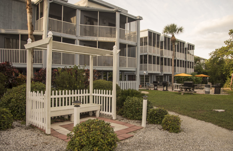 Exterior view of Englewood Beach & Yacht Club.