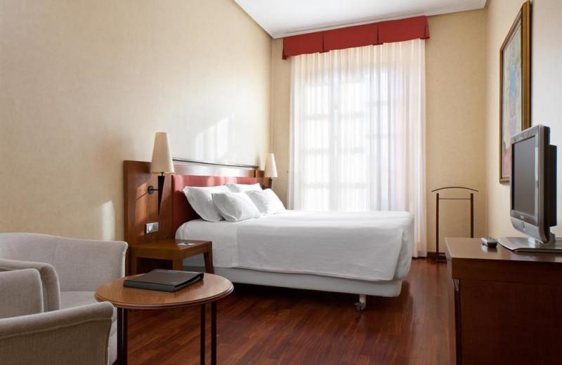 Guest room at NH Palacio de Castellanos.