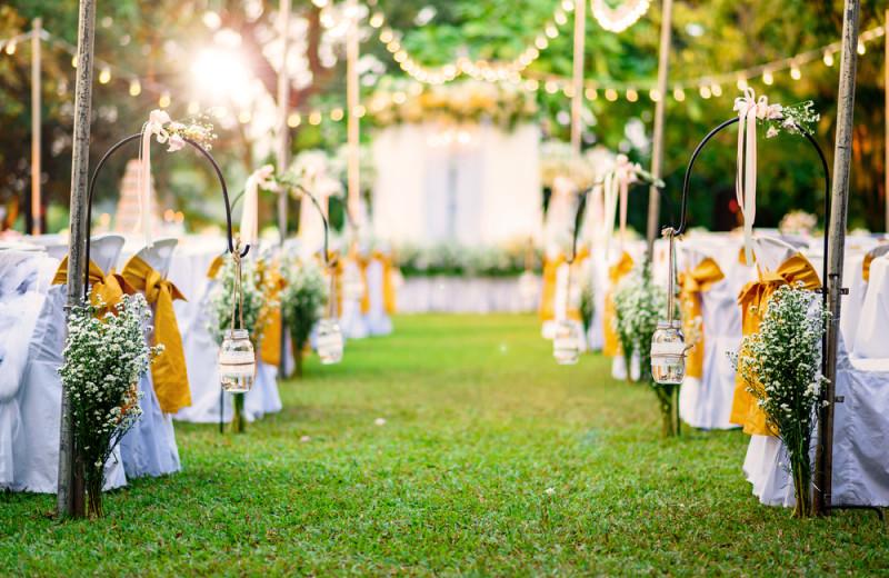 Weddings at Balmoral Resort.