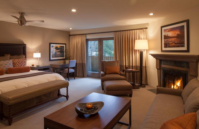 Guest room at Knob Hill Inn.