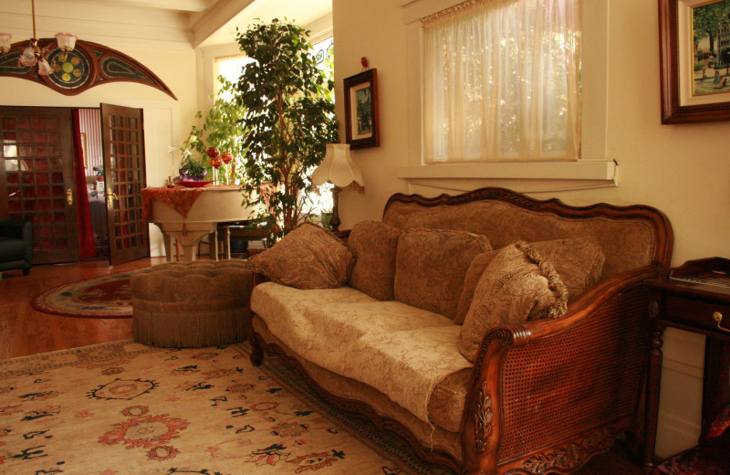 Interior view of Hensley House Bed and Breakfast.