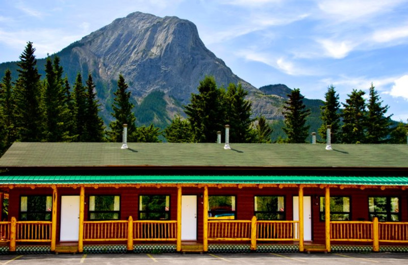 Miette Rooms at Overlander Mountain Lodge