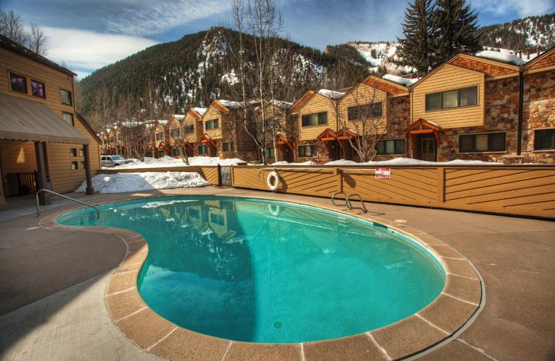 Rental outdoor pool at Frias Properties of Aspen - Clarendon #6.
