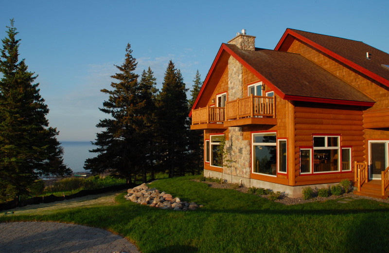 Exterior view of Grand Superior Lodge on Lake Superior.
