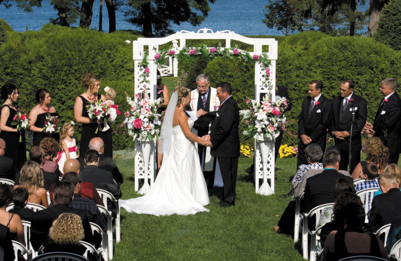 Outdoor Ceremonies at The Briars