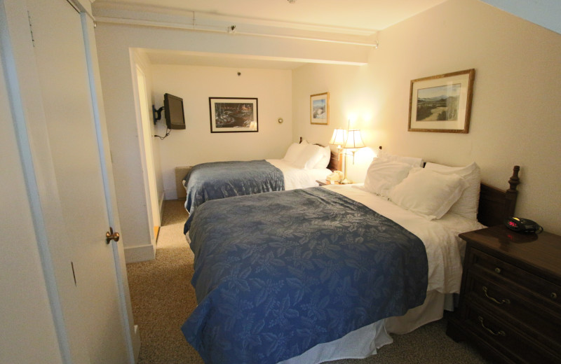 Double guest room at Eastern Slope Inn Resort.