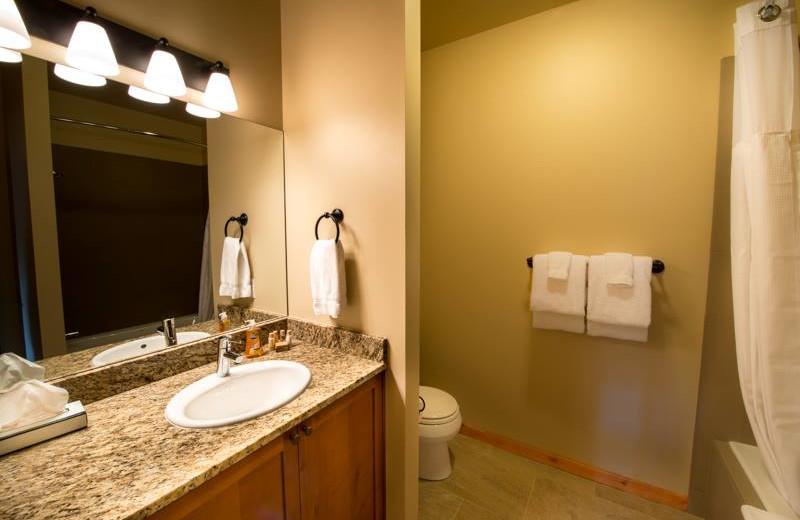 Guest bathroom at Obertal Inn.