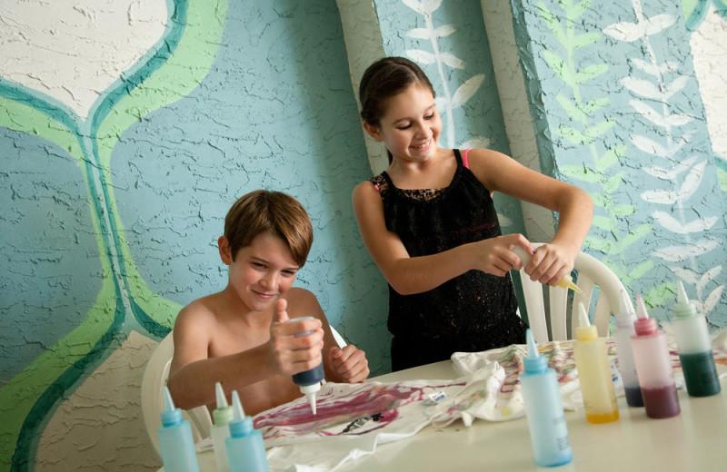 Kids arts and crafts at Long Bay Resort.