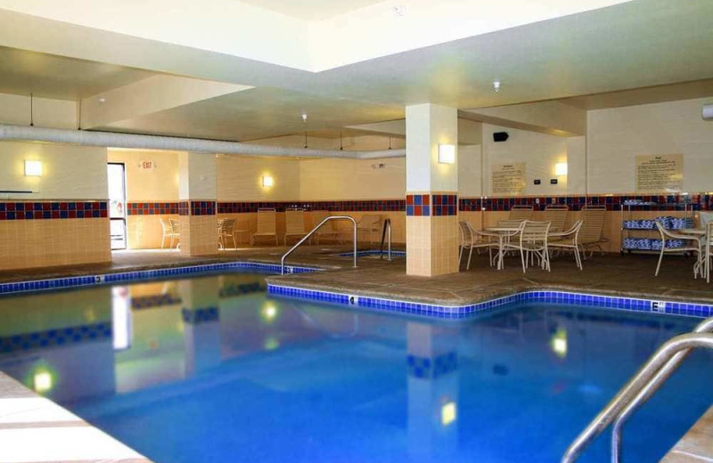 Indoor pool at Hampton Inn and Suites Kingman, AZ.