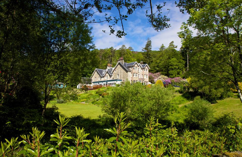 Exterior view of Duisdale Country House Hotel.