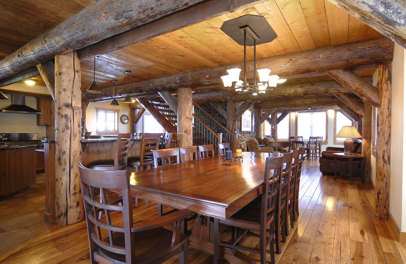 Rental dining table at Alpine Getaways.