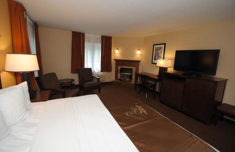 Guest suite at Black Swan Inn.