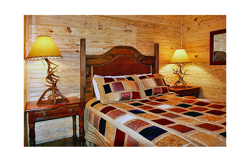 Cabin bedroom at Hideout on the Horseshoe.