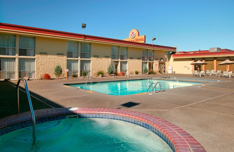 Outdoor pool at Red Lion Hotel Kelso/Longview.