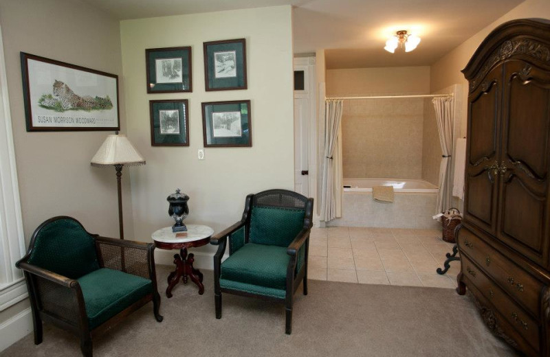 Guest room at New Orleans Hotel & Spa.