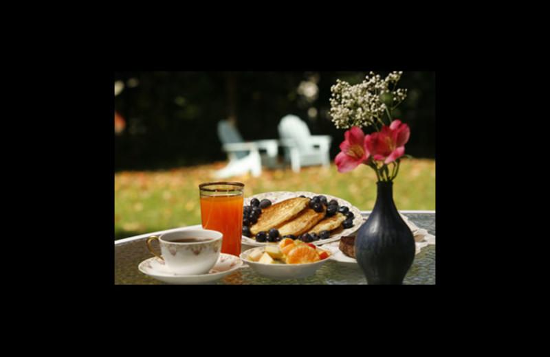 Breakfast at Temple Hill Bed & Breakfast.