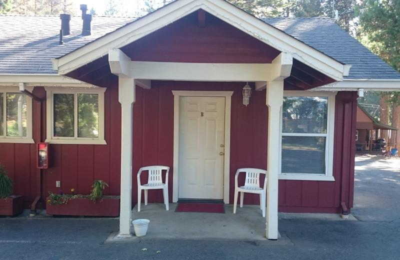 Cabin at Long Barn Lodge.