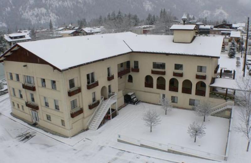 Exterior View of Adventure Inn