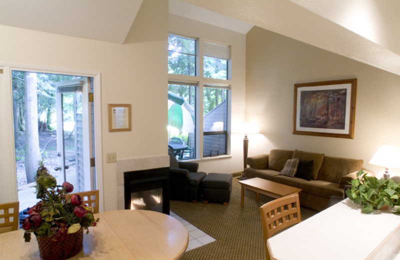 Guest living room at Whispering Woods Resort.