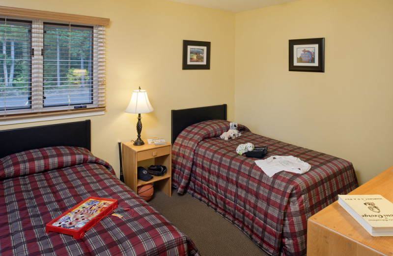 2-Bedroom Deluxe Suite Guest Bedroom at the Summit Resort.