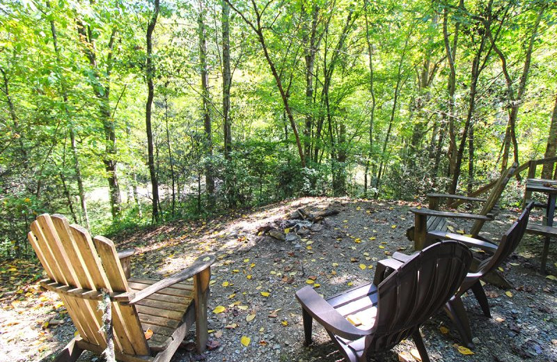 Rental patio at Hidden Creek Cabins.