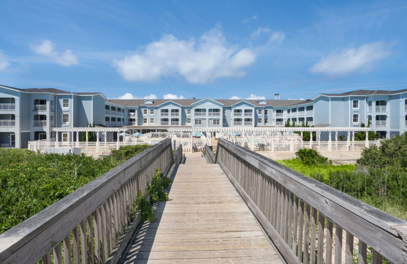 Exterior view of Hampton Inn & Suites Outer Banks/Corolla.