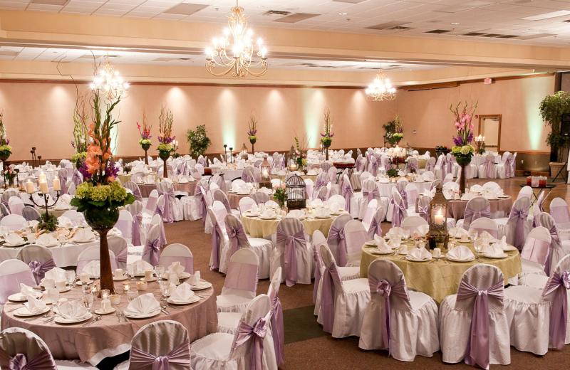 Weddings at Best Western Inn of the Ozarks.