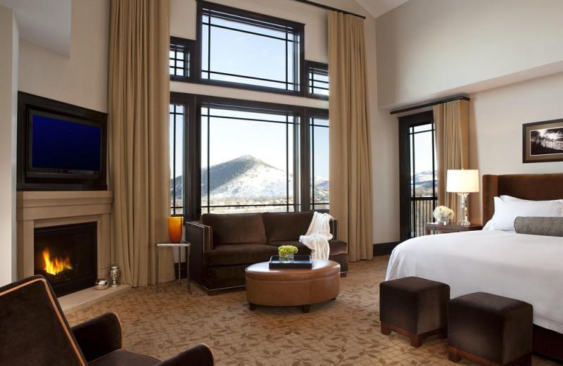 Guest room at Dakota Mountain Lodge & Golden Door Spa.